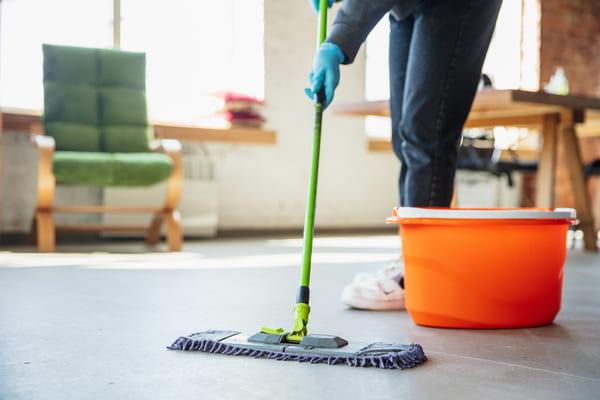 HPS Stelle Job Reinigungskraft Putzfrau putzen